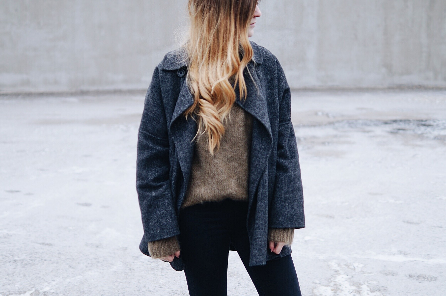 mohair_sweater_wool_coat_winter_outfit8