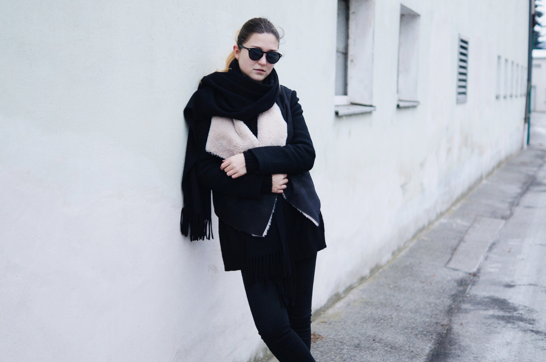 acne_studios_scarf_lambskin_jacket_winter_outfit4