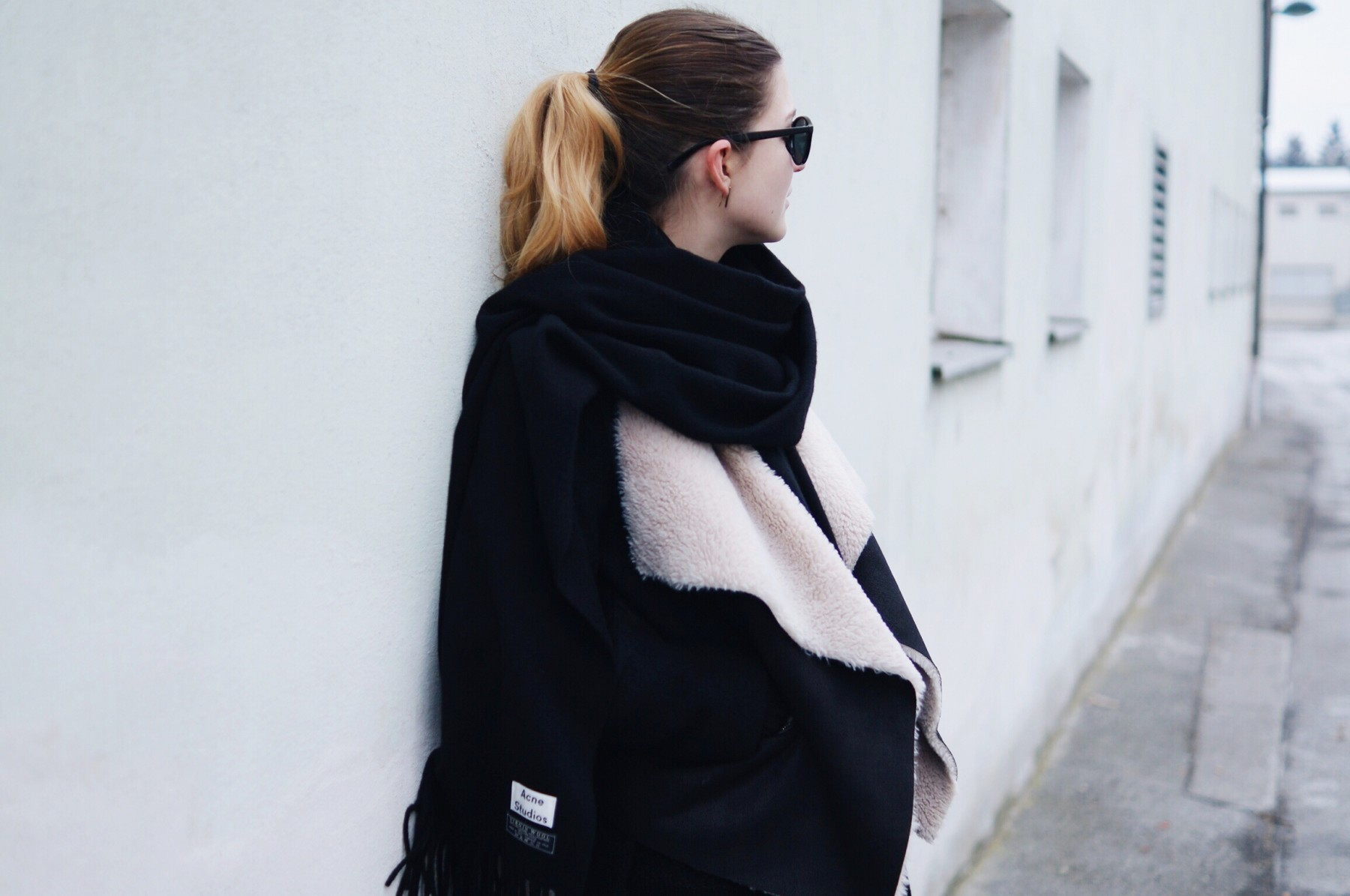 acne_studios_scarf_lambskin_jacket_winter_outfit6