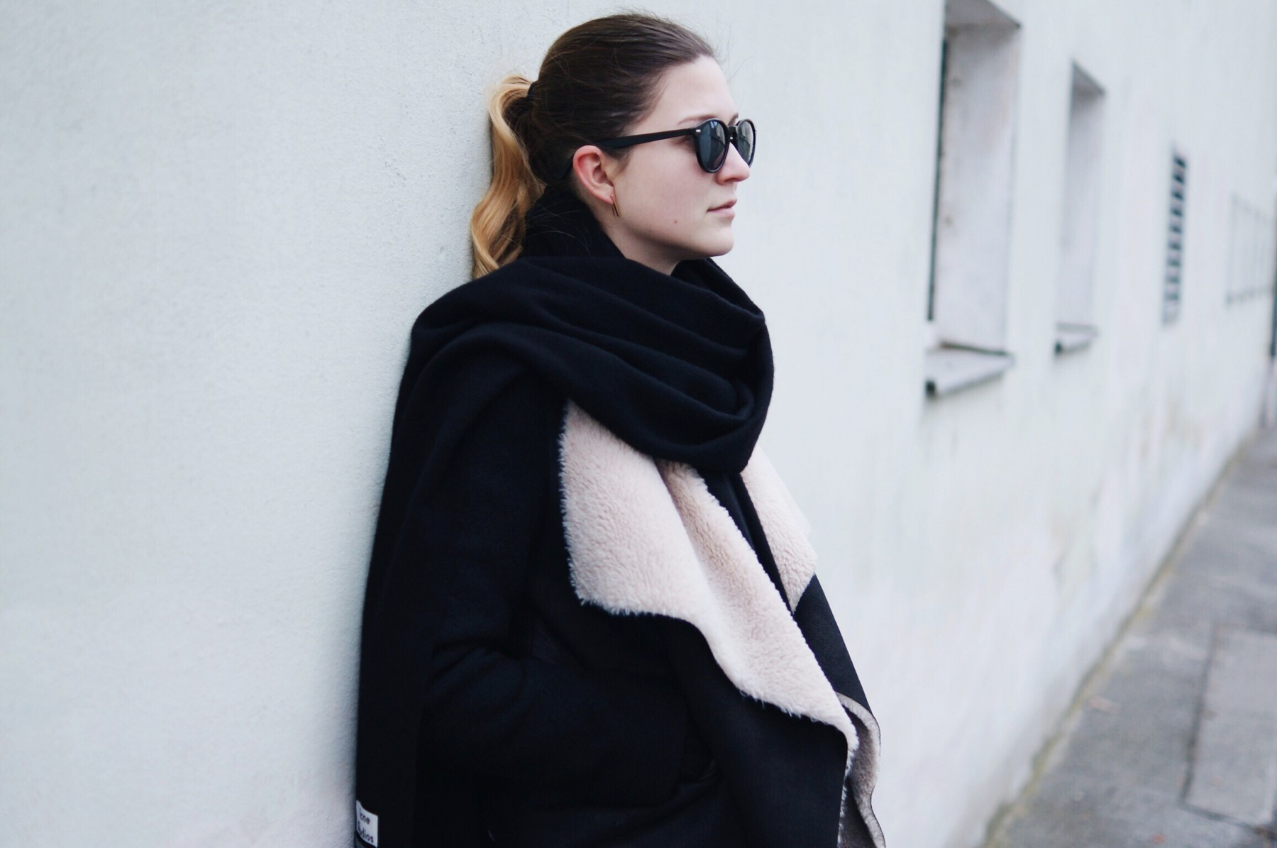 acne_studios_scarf_lambskin_jacket_winter_outfit7