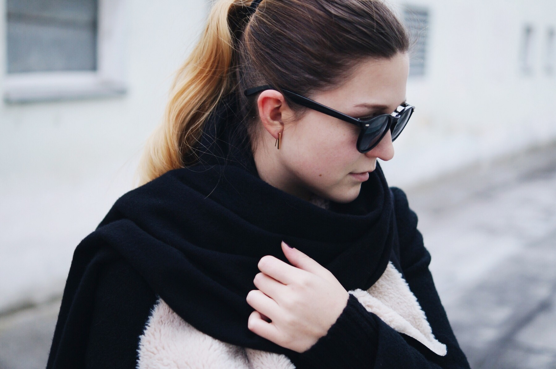 acne_studios_scarf_lambskin_jacket_winter_outfit8