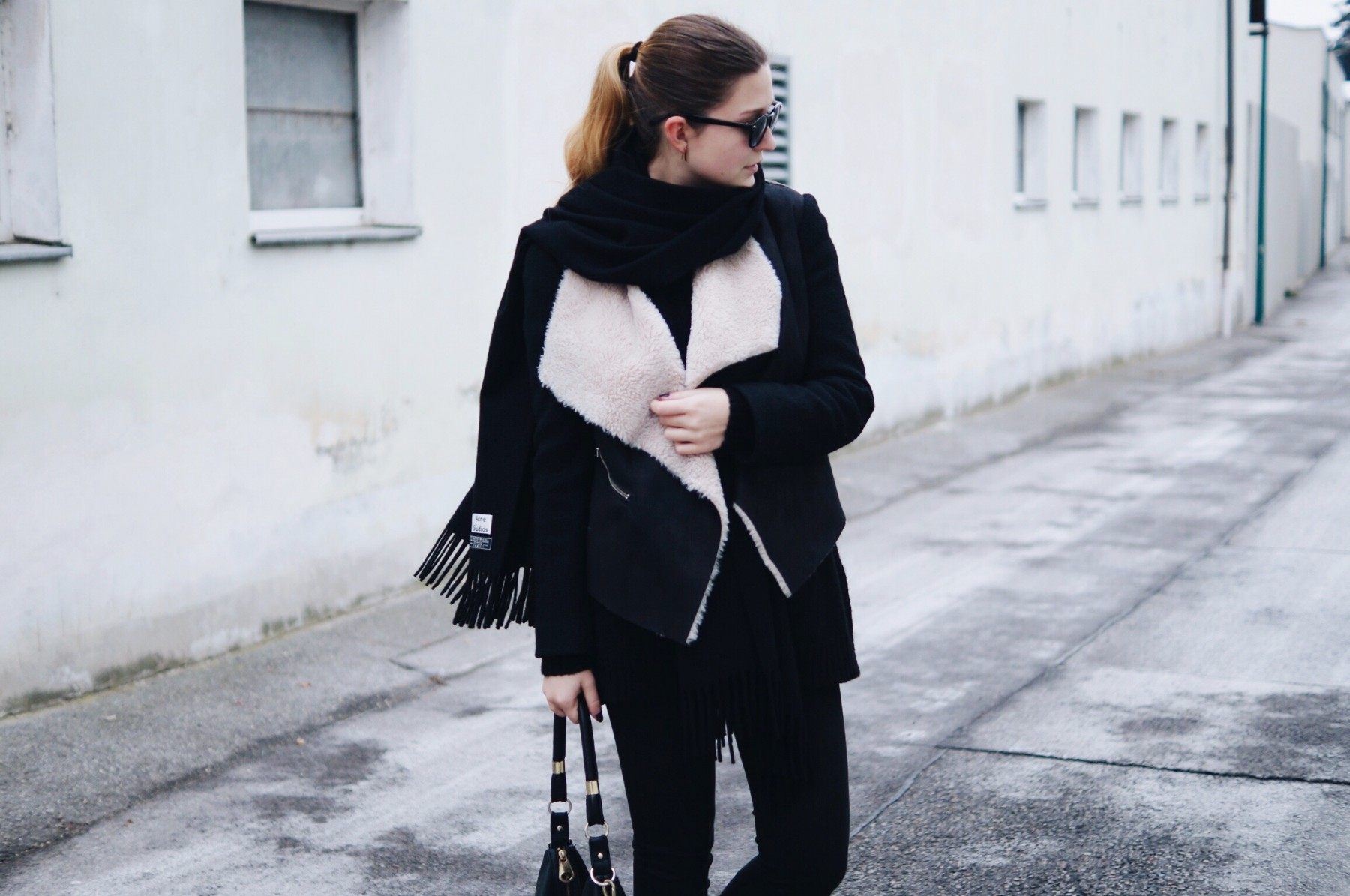 acne_studios_scarf_lambskin_jacket_winter_outfit9