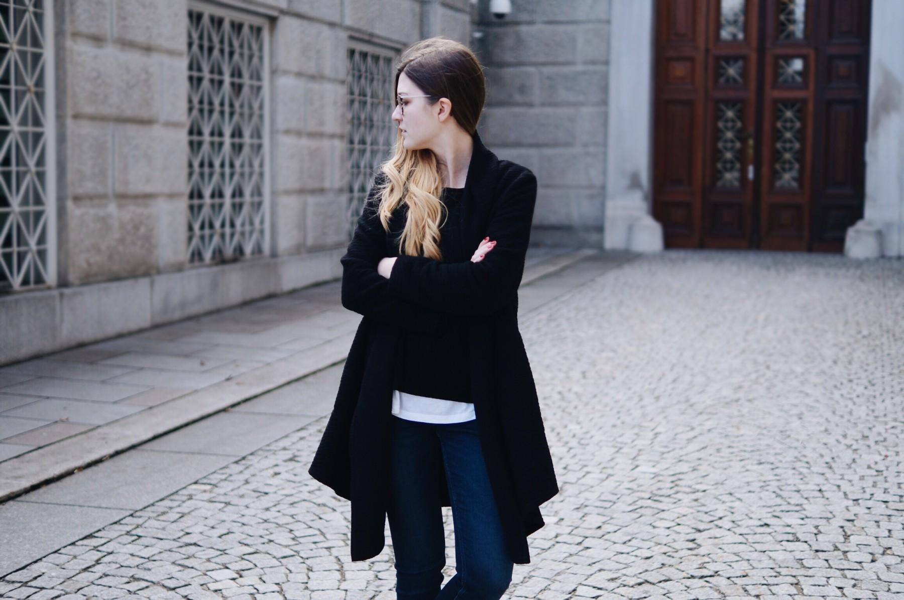 black_and_white_layering_outfit2