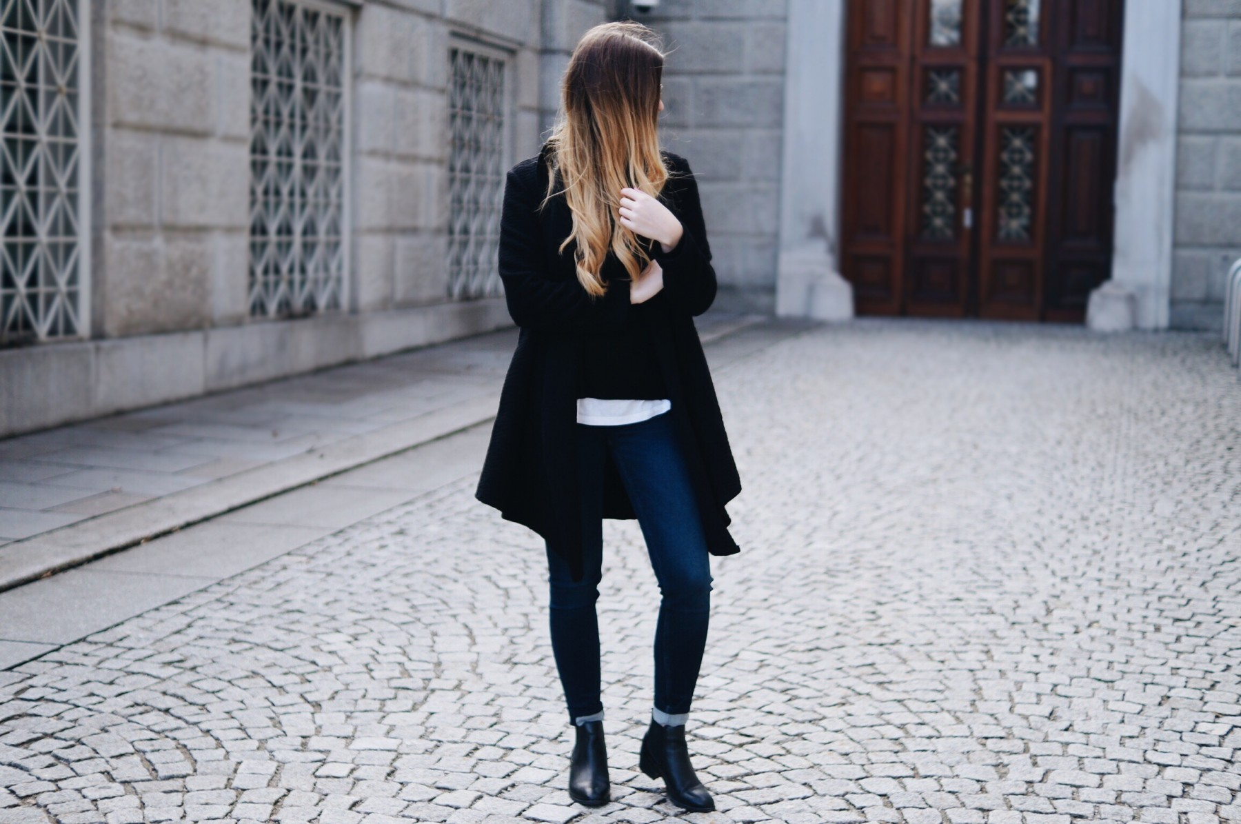 black_and_white_layering_outfit6