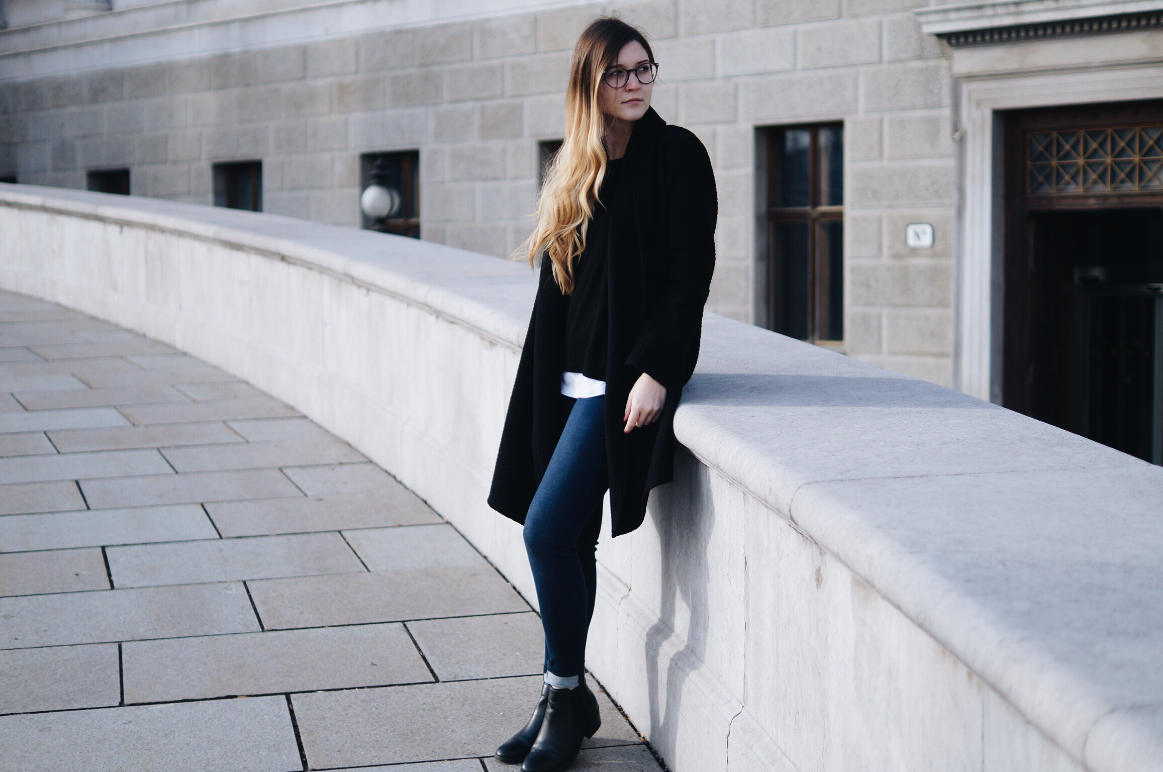 black_and_white_layering_outfit9